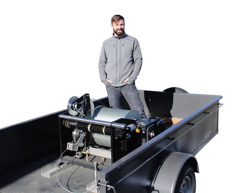 IWA intelligent winch 2500 meters on trailer with operator